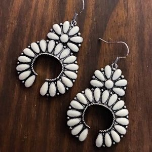 Jewelry - White & Silver Squash Blossom Earrings